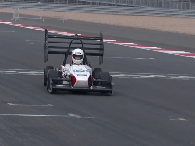 Conheça as Fórmulas SAE e as equipes estudantis de carros elétricos