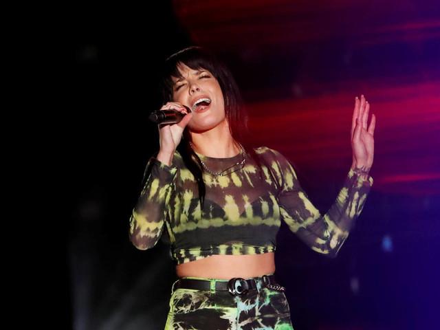Cantora Halsey será atração internacional do MTV MIAW, em São Paulo