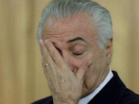 """Celular de Temer é divulgado e vice-líder do governo protesta: """"é esculhambação"""""""