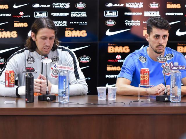 Danilo Avelar relaciona pressão no Corinthians a peso da camisa