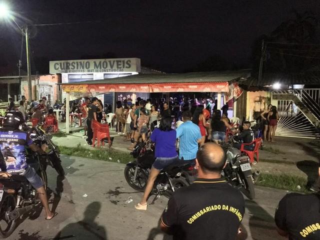 Fiscalização fecha seis bares em Parintins, no interior do AM; duas pessoas são presas