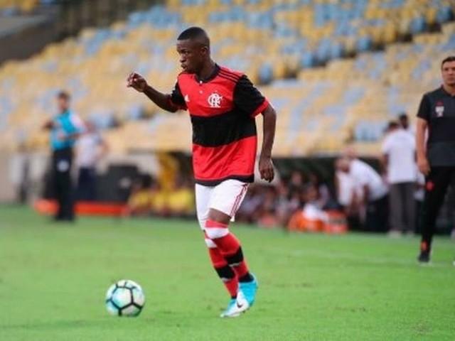 Dois anos depois, Vinícius Jr. relembra estreia pelo Flamengo: 'Sonho de criança'