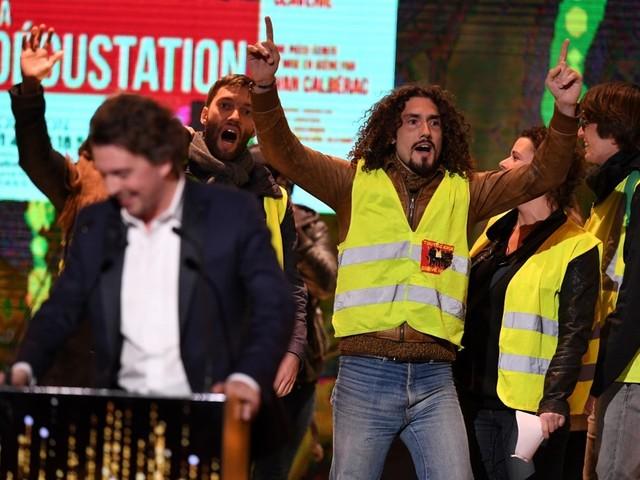 'Coletes amarelos' invadem cerimônia dos Molières, maior premiação do teatro da França