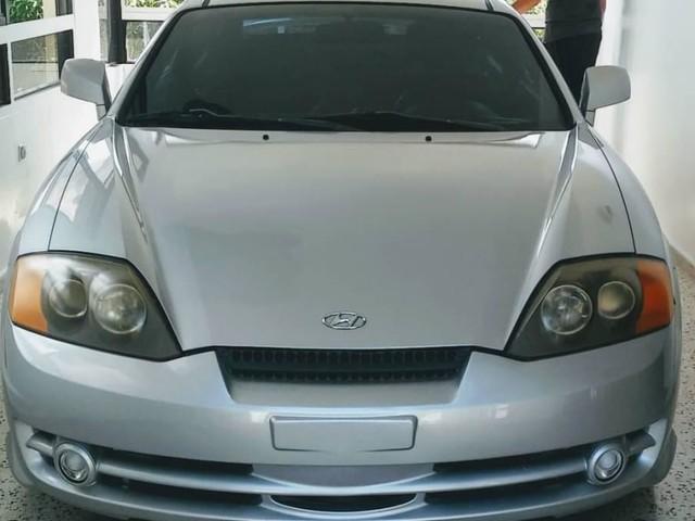 Hyundai Tiburón V6 GSR 2004 - Gris Claro.