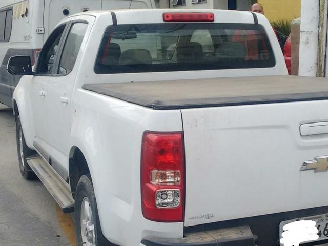 Homem é preso com carro roubado no bairro Japuíba, em Angra, RJ