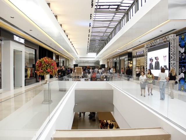 Associação de lojistas consegue autorização na Justiça para abrir lojas de shopping durante o carnaval