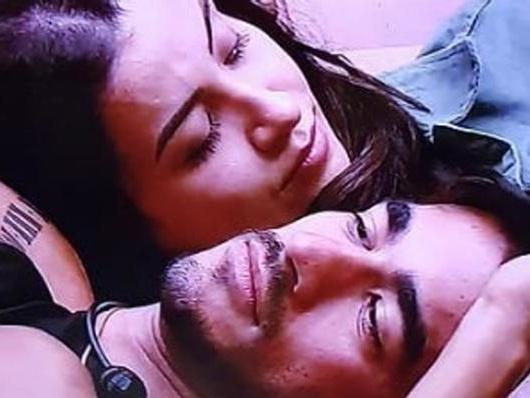 BBB 20: Boca Rosa e Guilherme deitam juntos e aprontam nas costas de Gabi Martins, após crise de choro da cantora