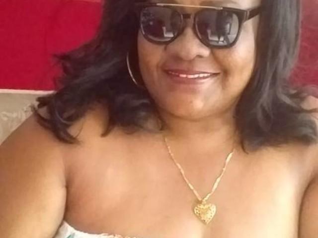 Corpo de mulher morta após pular de ônibus em assalto será enterrado neste domingo