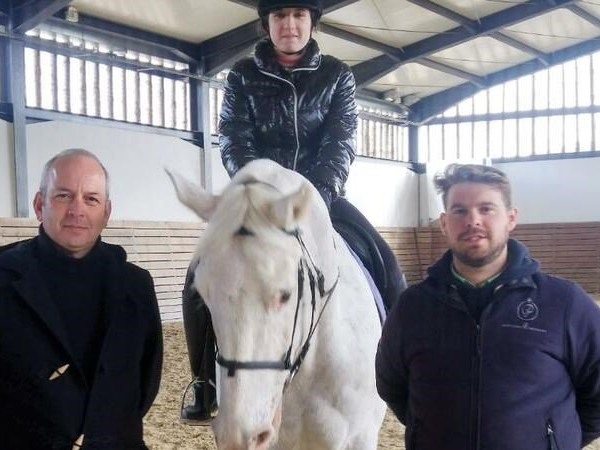 Nathalie Sousa, 18 anos, portuguesa: campeã mundial de equitação adaptada