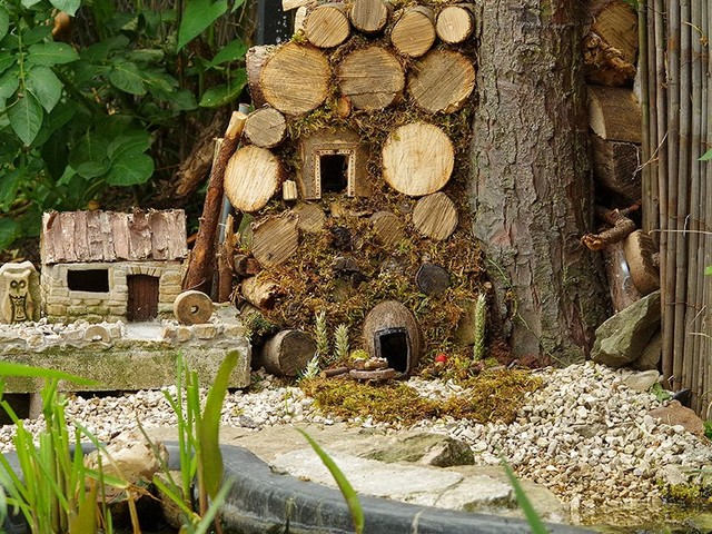 A incrível vila dos ratos que um homem criou no quintal de sua casa