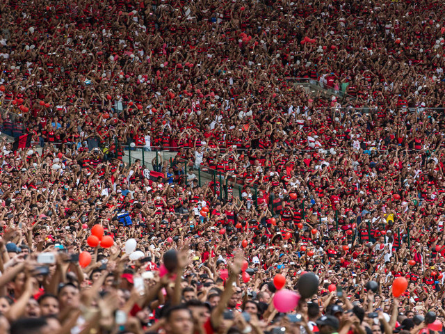 Supera o Corinthians | Um em cada cinco brasileiros torce para o Flamengo, aponta Datafolha