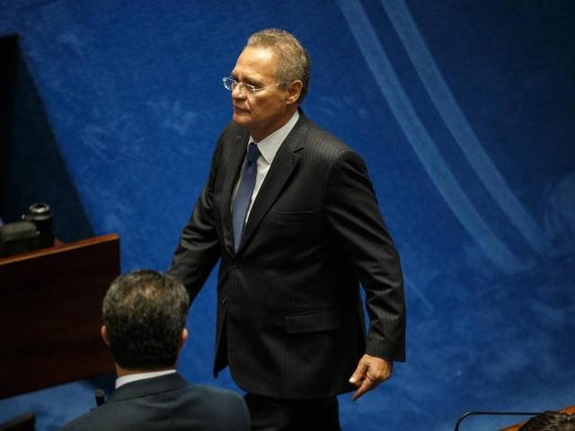 Renan anuncia retirada de candidatura à Presidência do Senado
