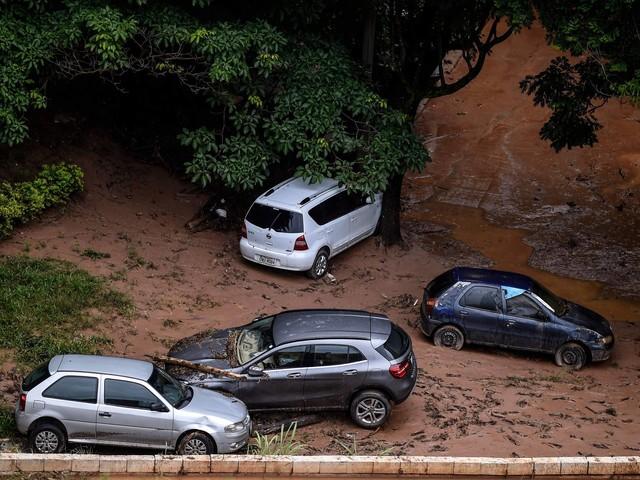 Doações a vítimas de enchentes em MG e ES atingem R$ 263 mil em três dias