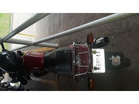 Vendo linda moto yamaha ybr 125cc súper economica