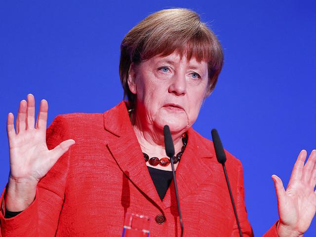 Angela Merkel ainda não desistiu de Schulz