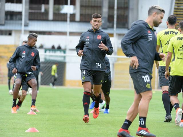 Sem Abel, Flamengo tenta garantir vaga na Libertadores contra LDU