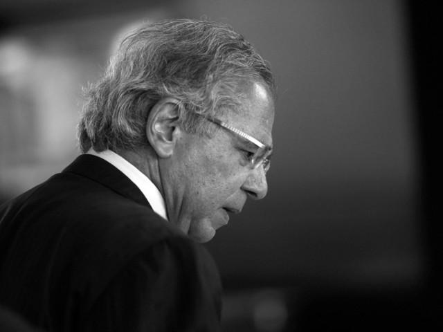 Ministro deu entrevista | 'Tem empresas que serão privatizadas que vocês nem suspeitam', diz Guedes