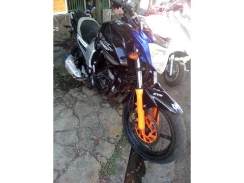 Vendo moto 200cc raybar deportiva