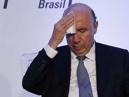 Meirelles recebeu mais de R$ 200 milhões em conta no exterior, diz site
