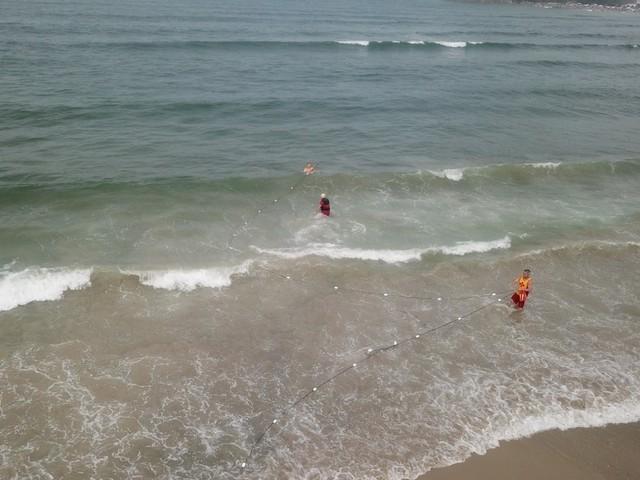Corpos de jovens que se afogaram em Guaratuba são encontrados, diz Corpo de Bombeiros