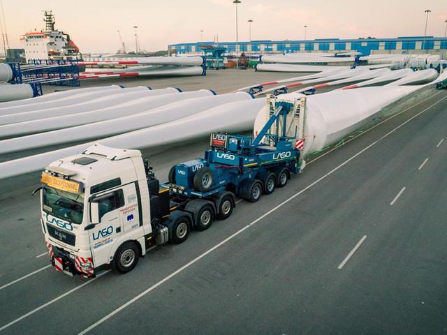 Veja como se transporta uma pá eólica a partir do porto de Aveiro