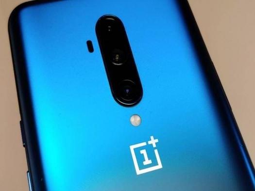 OnePlus 8: imagens revelam versões coloridas, câmera tripla e tela de 90Hz