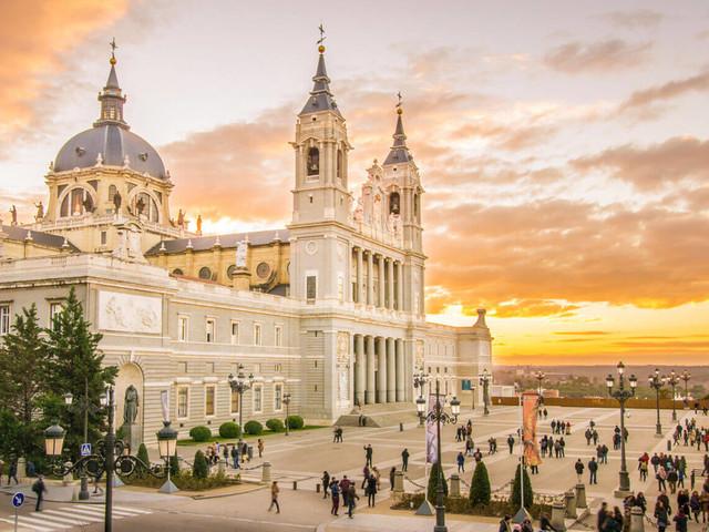 Espanha! Passagens aéreas para Madri ou Barcelona a partir de R$ 1.656 saindo de mais de 15 cidades!