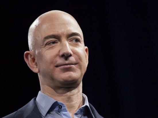 Fortuna de dona da Amazon chega a US$ 100 bilhões, diz agência