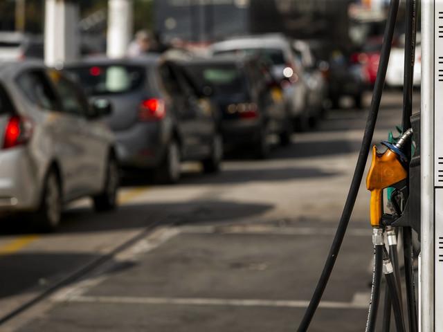 Biodiesel segue em alta e pressiona preço do diesel nas bombas