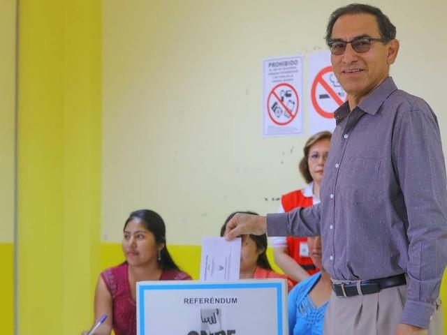 Peruanos aprovam fim da reeleição imediata de deputados, indica boca de urna de referendo