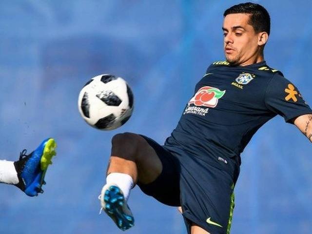Fagner, do Corinthians, é convocado para substituir Daniel Alves, cortado, na seleção