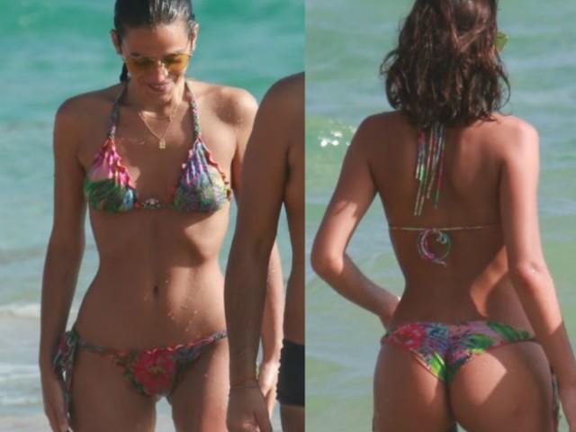 Após se despedir de Neymar, Bruna Marquezine curte praia com os amigos; veja