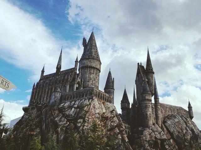 Autora de Harry Potter cria site com atividades para crianças em quarentena
