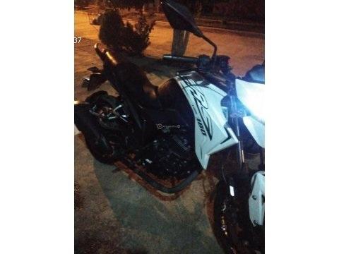 Sevende moto AKT CR5 180
