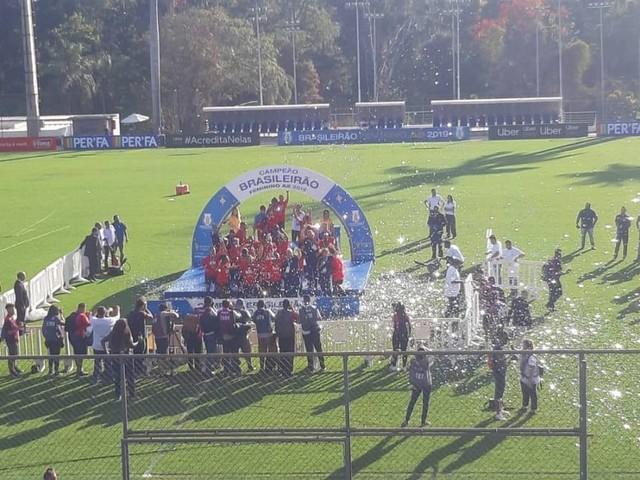 São Paulo empata com Cruzeiro e leva o título da segunda divisão feminina