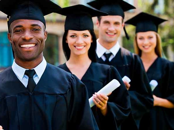 Quanto maior a escolaridade, melhores são as oportunidades salariais