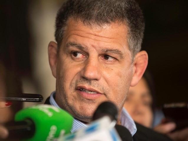 Bolsonaro assina exoneração de Bebianno