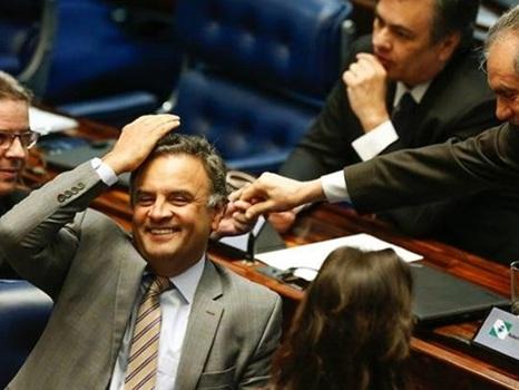 Senadores que salvaram Aécio são investigados na Lava Jato