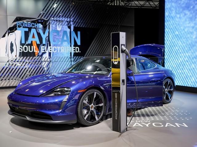 Porsche aposta em ricos da Índia para impulsionar carro elétrico