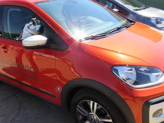 VW Cross Up! TSI 2018: preço, consumo, detalhes - vídeo