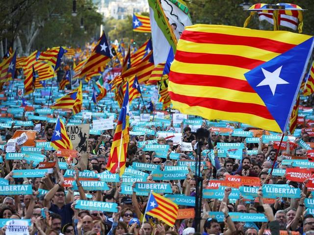 """Puigdemont recusa plano de Rajoy, o """"pior ataque"""" à Catalunha desde Franco"""