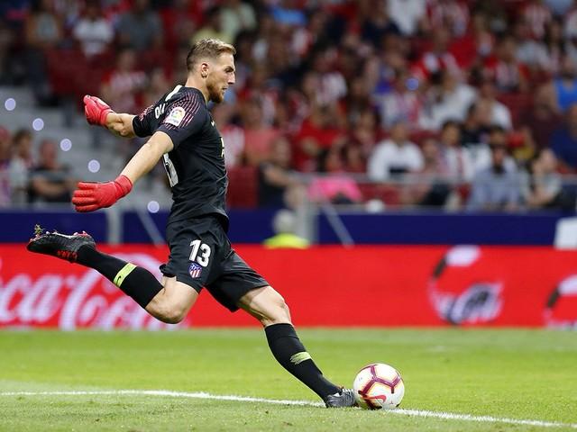 Chelsea vai propor troca de goleiros com o Atlético de Madrid