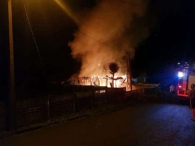 Homem é encontrado morto após casa pegar fogo, em Irati