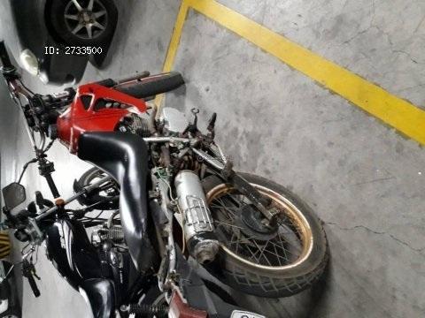 Vendo moto yumbo año 2006
