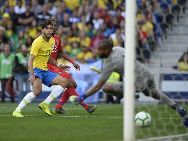 Re: Com Neymar nas tribunas, Seleção fica no empate com o Panamá