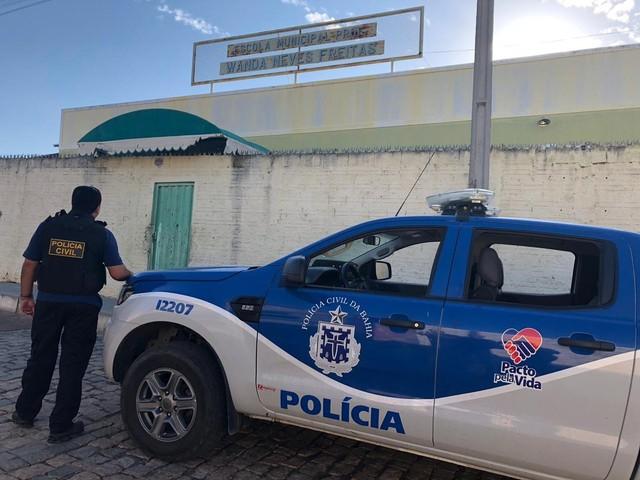Operação Anjos da Lei: Polícia prende 24 e apreende 10 kg de drogas na BA em ação contra tráfico em escolas