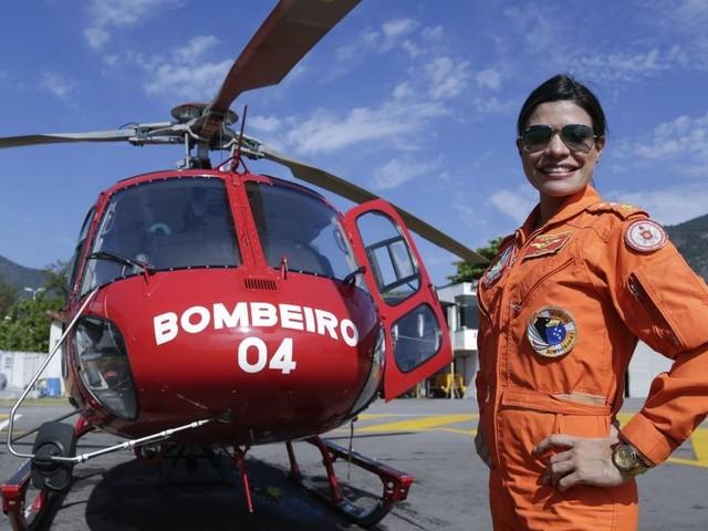 Corpo de Bombeiros do Rio tem primeira mulher piloto de helicóptero