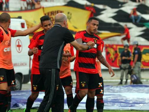 Com apenas 437 pessoas no Arruda, time reserva do Sport vence o Belo Jardim