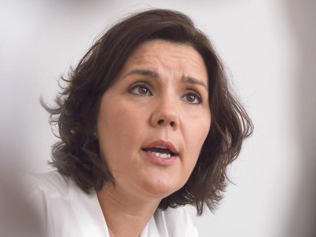"""Cristas lamenta desinteresse de Costa por setor da saúde """"em rutura"""""""