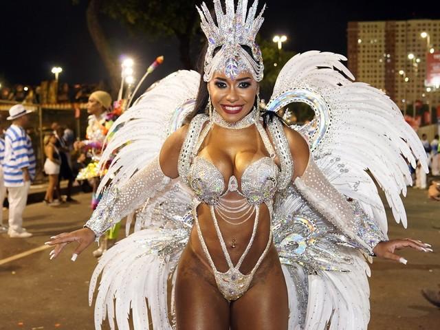 Desfile da Beija-Flor; veja FOTOS